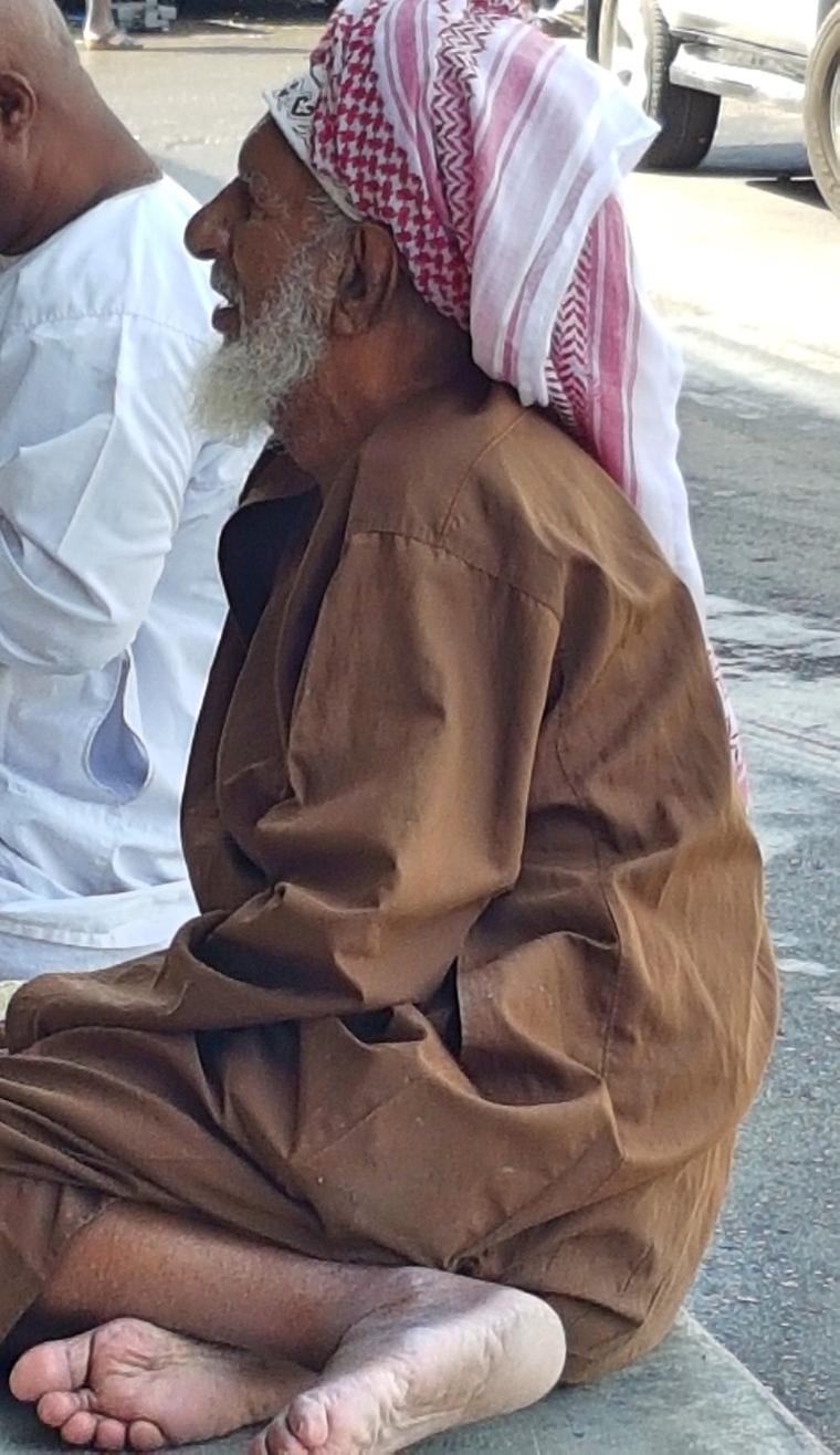 le marché aux poissons de muscat, Oman- le vieux monsieur